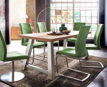 O czym trzeba pamiętać, wybierając krzesła do jadalni?
